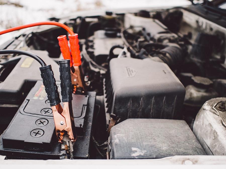 Avoiding Car Battery Jump Start Service