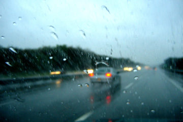 Avoid Hyrdoplaning on a Wet Road
